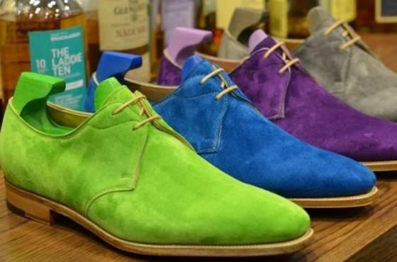 Разноцветная замшевая обувь