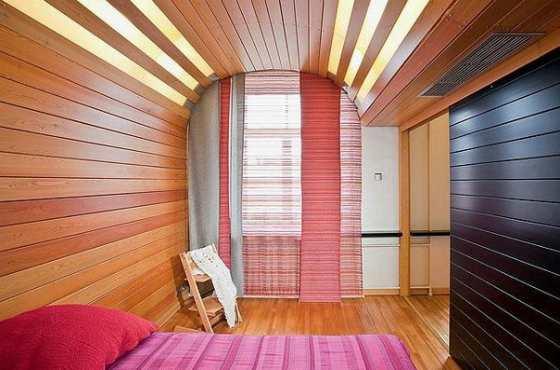 комната с вагонной доской