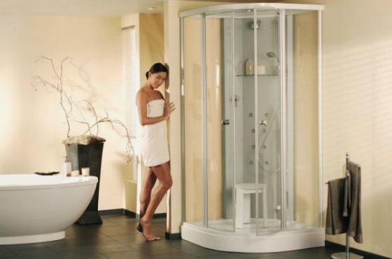 Ванная и душевая кабинка в одном помещении