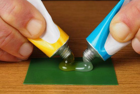 Клей для пластмассы